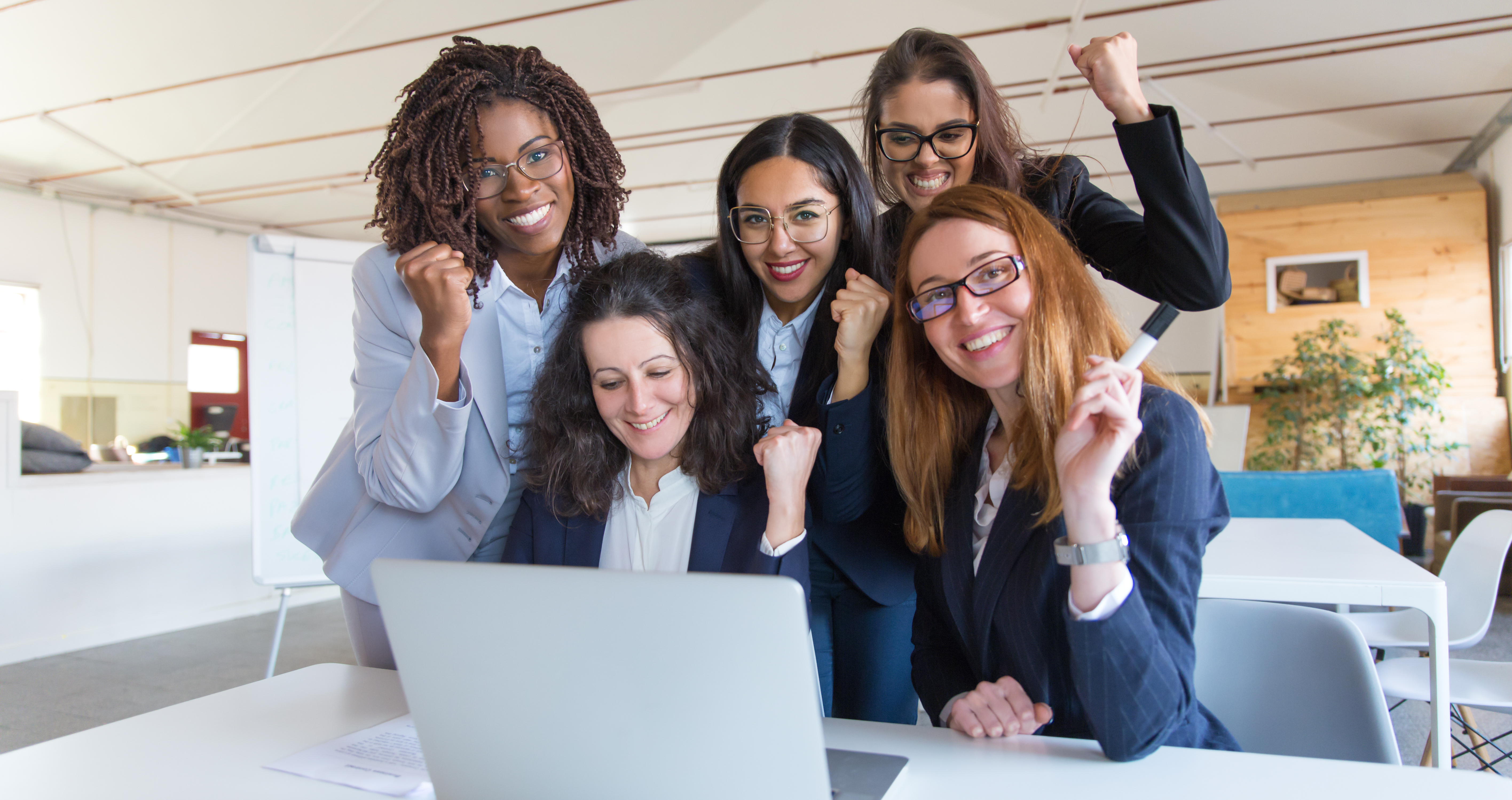 Microsoft oferece cursos gratuitos para capacitar 100 mil mulheres